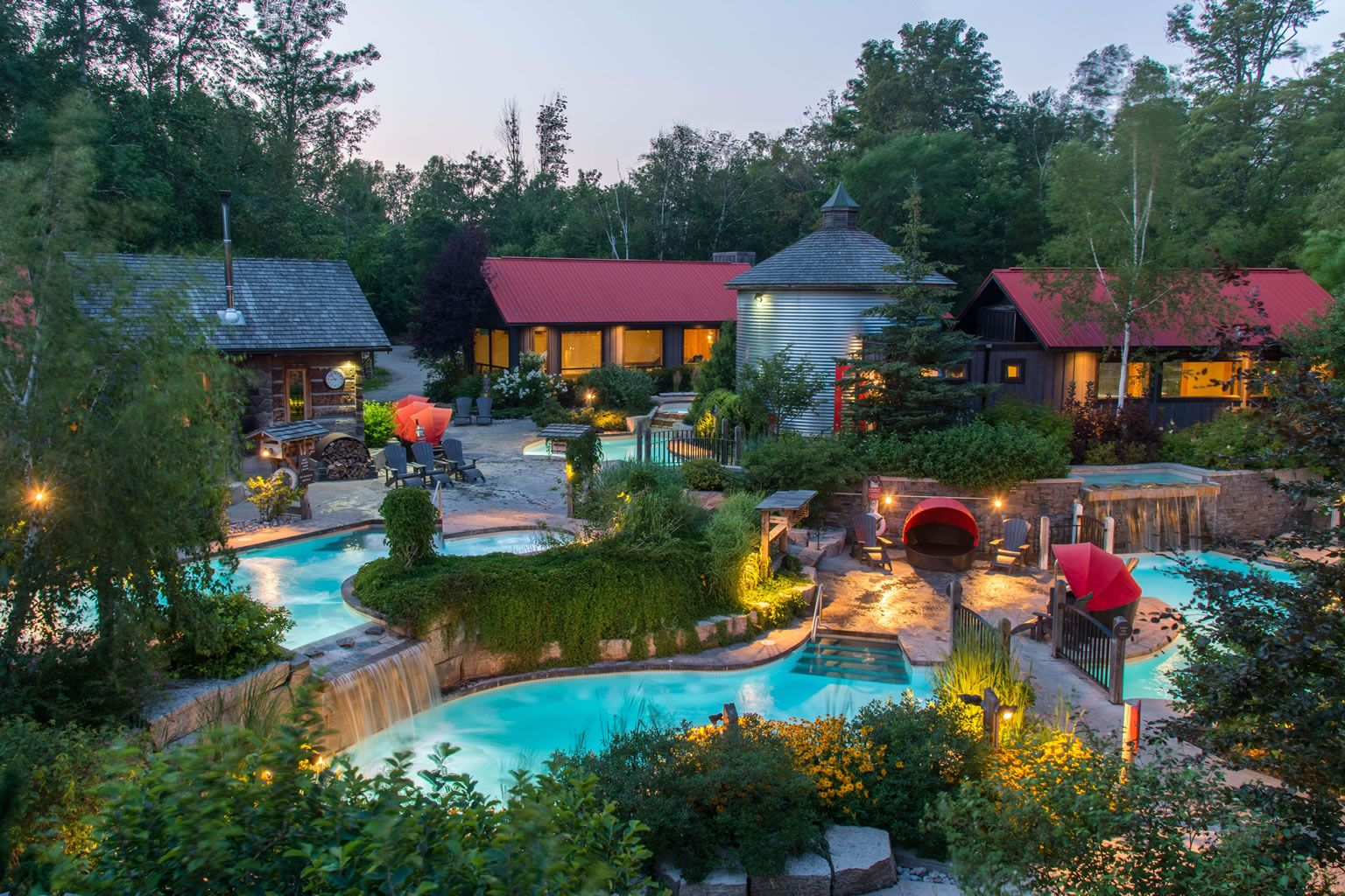 Spa Days At The Bay Relax At These Ontario Spas In 2020 Outdoor Spa Blue Mountain Outdoor Baths