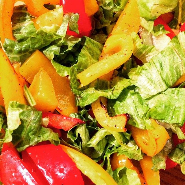 Baked Bell Salad. Simply add scrumptious baked bell peppers to your favourite green salad! #pure #meals #healthy #clean #capsicum #nutritious #clean-eats# preferablypure @preferablypure