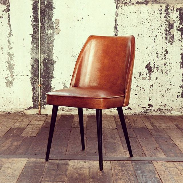 Vintage Leather Dining Chairs vintage leather dining chairs. cadires de menjador amb pell