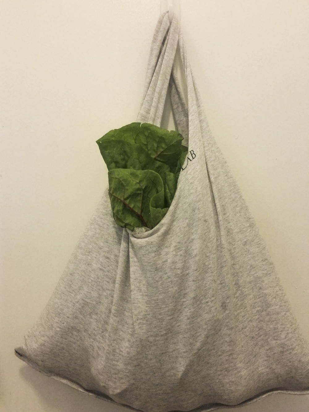 20 Minute Upcycle TShirt Grocery Bag Bag patterns to