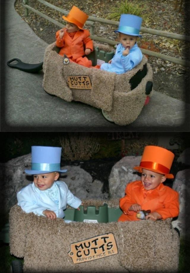 Ohhh my gosh- i lovvvvvve this!!!!! Future costume idea for kids - twin boy halloween costume ideas