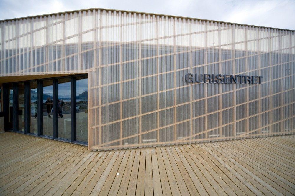 Gurisentret outdoor stage and visitor centre askim for Raumgestaltung architektur
