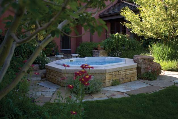 patio hot tub~ partially sunken Landscaping Pinterest Sol - patios traseros