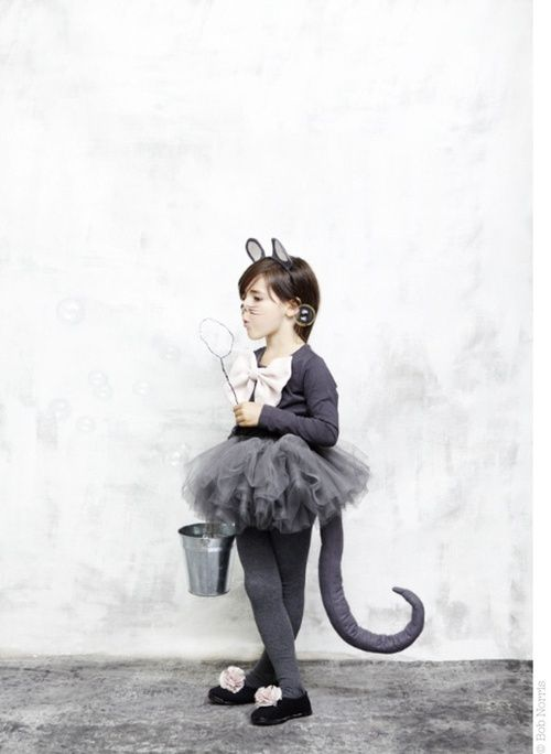 mouse. Now that's how you do a mouse costume. Adorable.