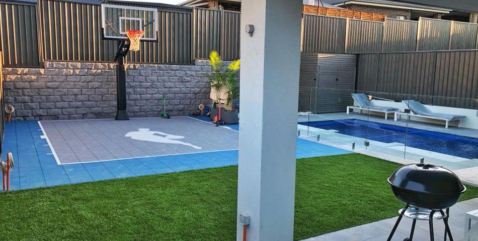 Backyard mini basketball court | Basketball court backyard ...
