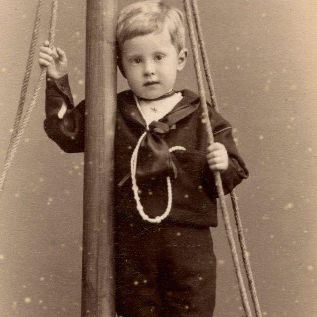 1880s LITTLE BOY SAILOR OUTFIT FAKE BOAT CDV PHOTO CARTE DE VISITE MARGATE CHILD