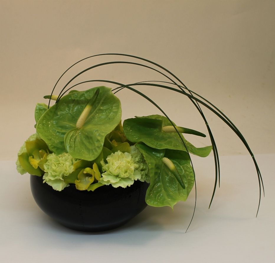One Of A Kind Floral Designs To Inspire Your Creativity Modern Flower Arrangements Fresh Flowers Arrangements Flower Arrangements