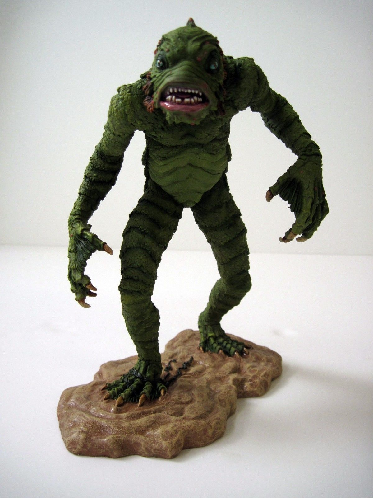 Creature From the Black Lagoon with Woman figure model kit ...