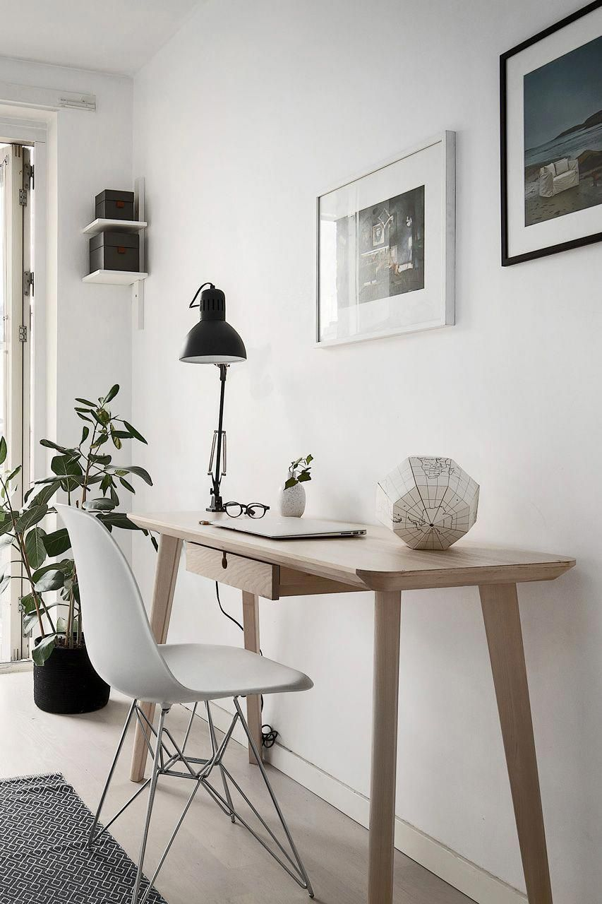 A Small Home Office In Scandinavian Style Homeofficefurnituredesigndeskideas In 2020 Small Home Office Interior Office Inspiration Workspaces