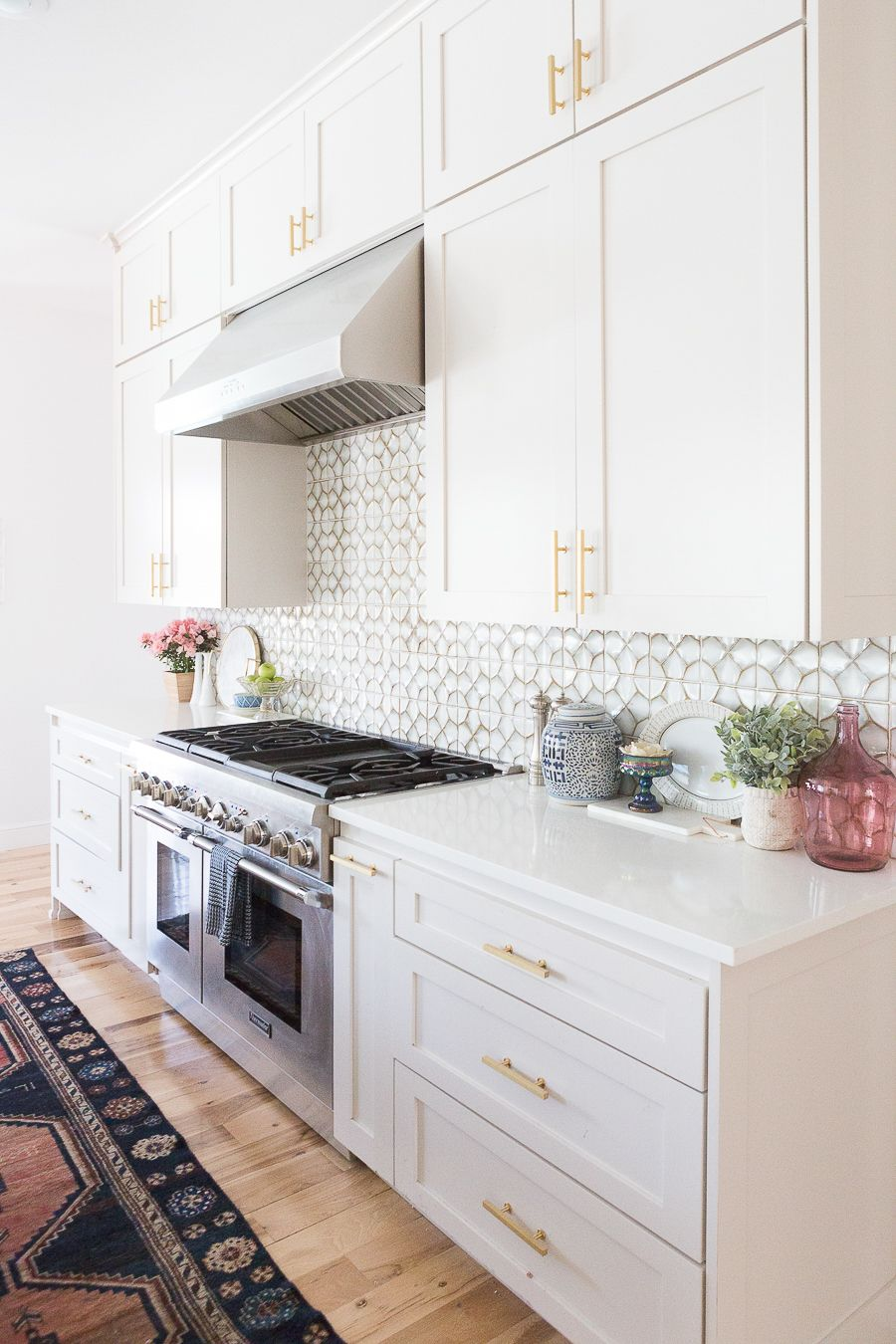 Affordable Ceramic Patterned Tile Backsplash And Flooring White