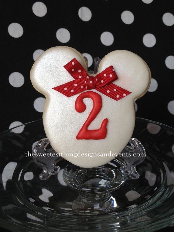 12 Mickey or Minnie Mouse Cookies / Minnie by SweetestThingDesigns