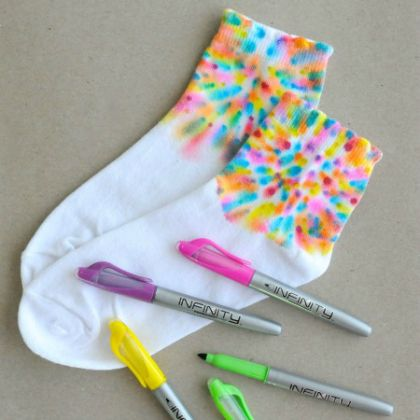 25 Groovy Tie Dye Crafts for Kids