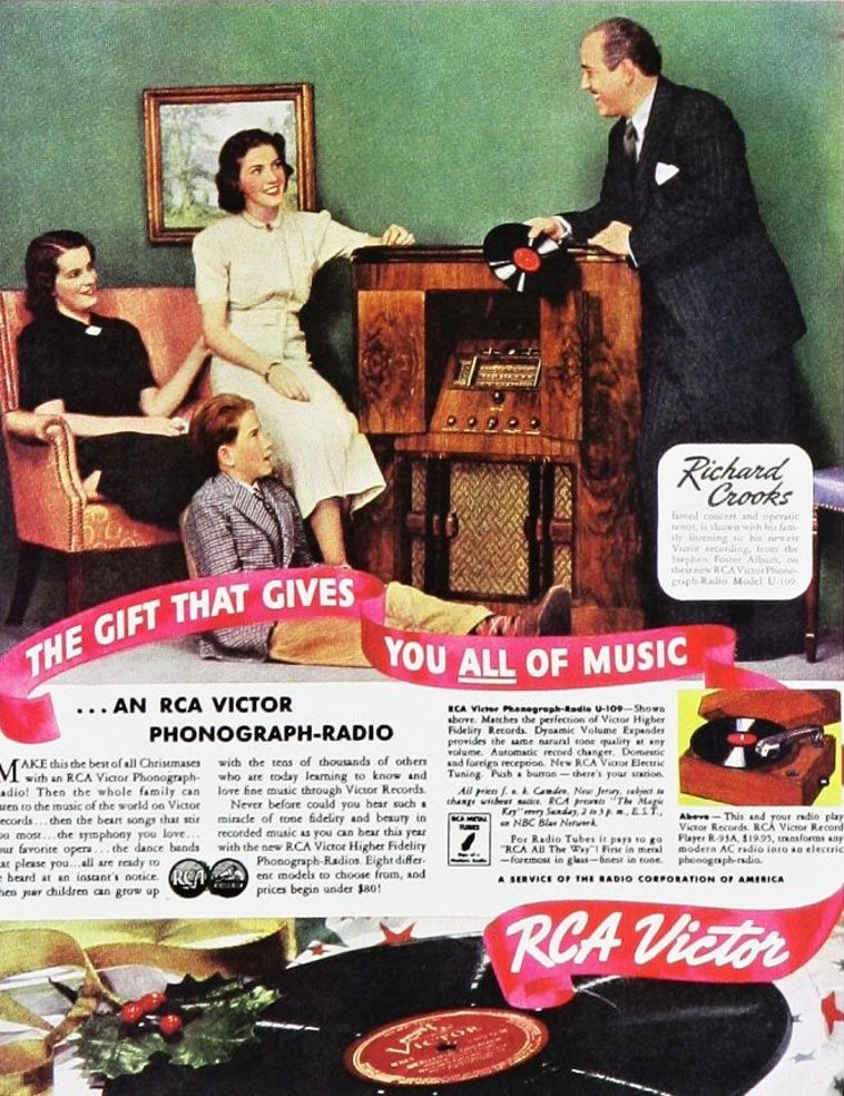 RCA Victor Phonograph/Radio vintage magazine ad