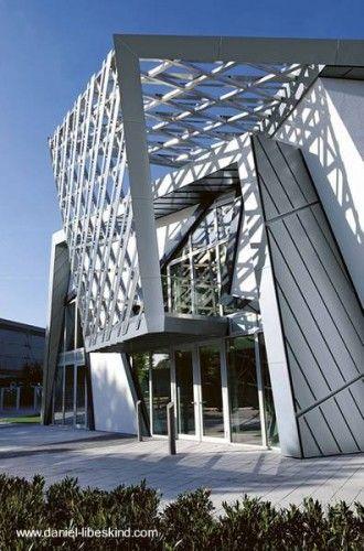Estructura sobre fachada arq for Arquitectura prefabricada