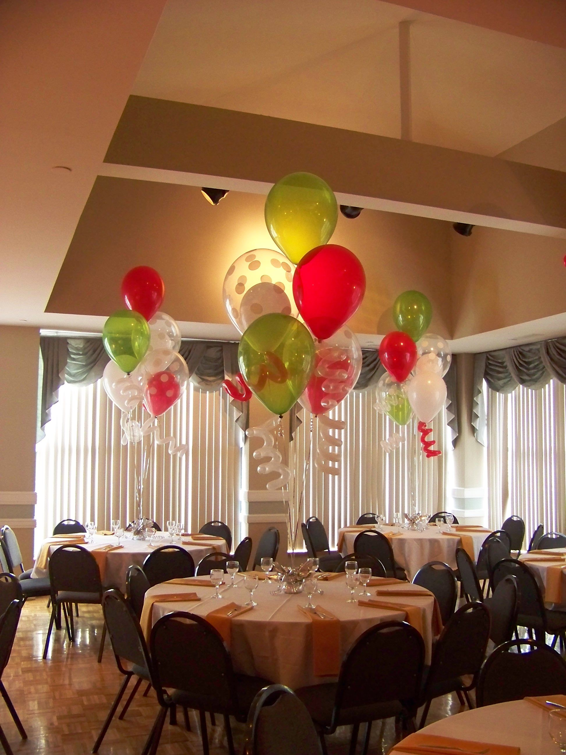 Holiday Party With 16 Latex Balloon Centerpieces & Curlyqs