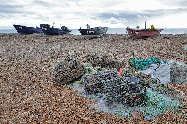 Bognor Regis photographs - photos of the pier, beach, coastline, shios, and seafront, Bognor, West Sussex, England UK