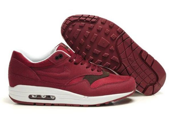 watch 43cb2 ece8a Nike Air Max 1 Mens Running Shoe MaroonWhite. Theres nothing comparable  to this Nike Air Max running trainers. The air-sole unit in heel is  designed for ...