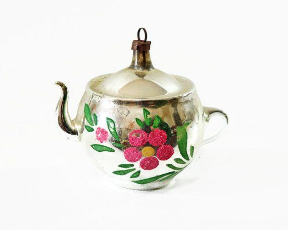 Vintage Christmas Ornament Mercury Glass Teapot By Gizmoandhooha 18 00 Vintage Christmas Ornaments Antique Christmas Ornaments Glass Christmas Ornaments