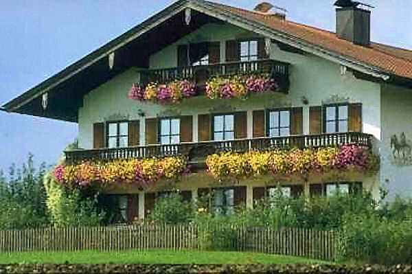 bavarian house design austrian gem tlichkeit house german rh pinterest com