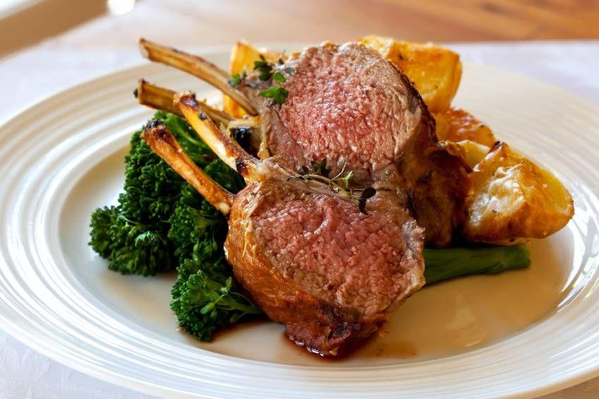 Recept: Lamskroon (Lamsrack) met groenten uit de oven