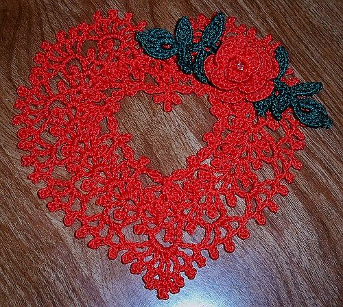 Crocheted thread Heart gift | Flickr – Compartilhamento de fotos!