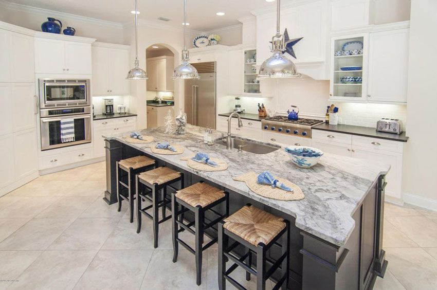 23 Beautiful Beach Style Kitchens (Pictures). White Cabinet ...