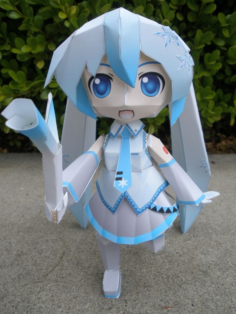 Snow Miku Papercraft by