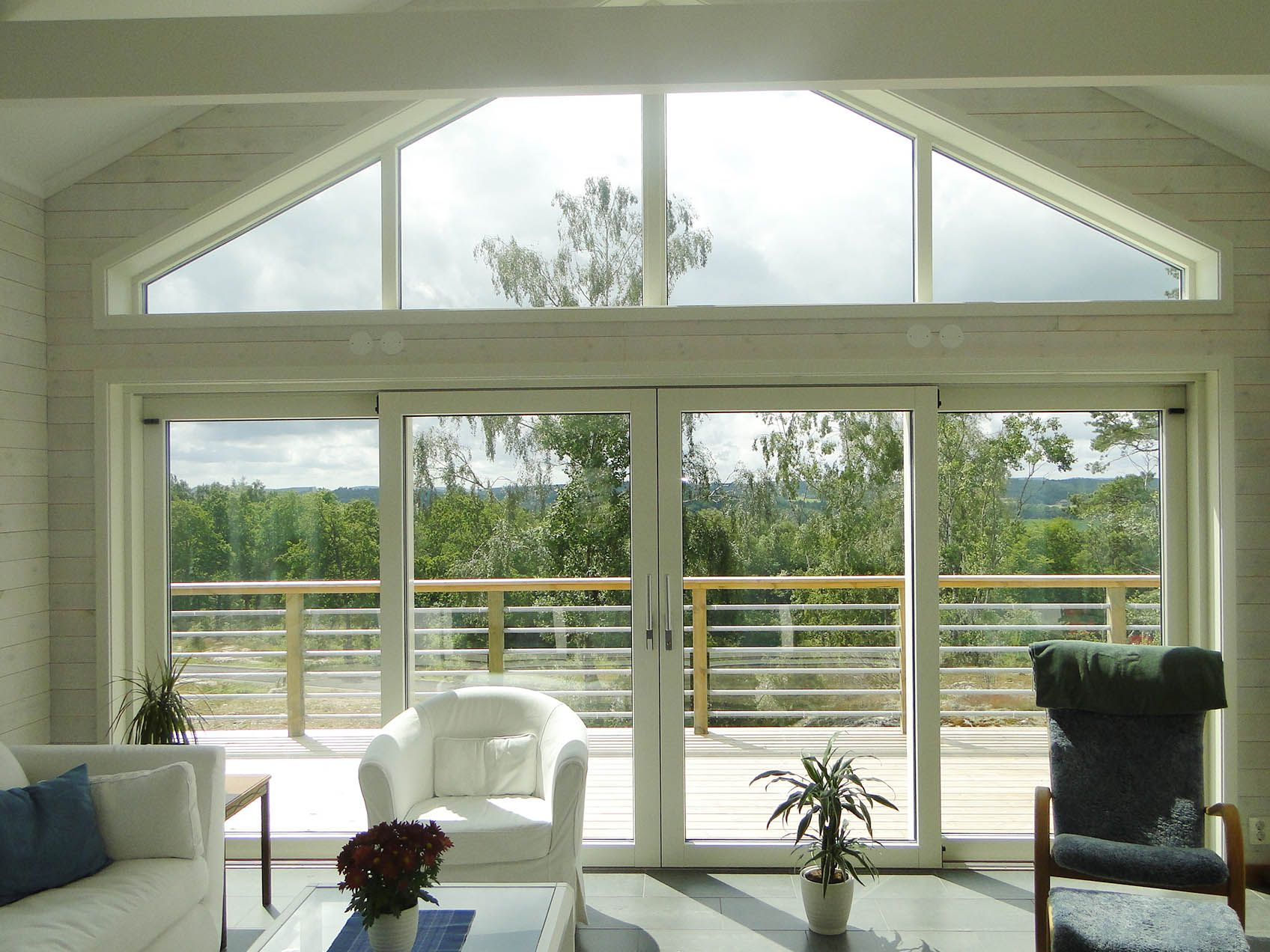 Whether You Have A Traditional Or Contemporary Home If You Re Planning A Self Build Extension Or Renovation Why Not C Sliding Doors Contemporary House Doors