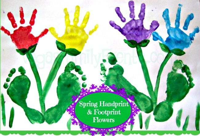 Spring kids crafts!  #HandprintFlowers #Handprints #KidsCrafts Easy to make these on paper or canvas and you'll cherish forever!