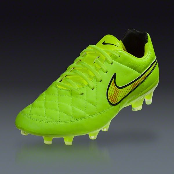 nike football shoes gold nike gear running