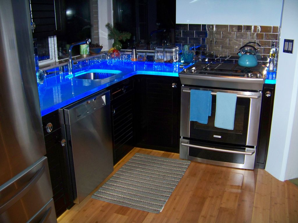 ThinkGlass   LED Illuminated Glass Countertop | By ThinkGlass