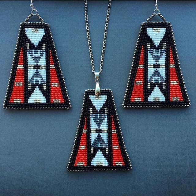 WEBSTA @indigenousbeaders @c.holybear pendant