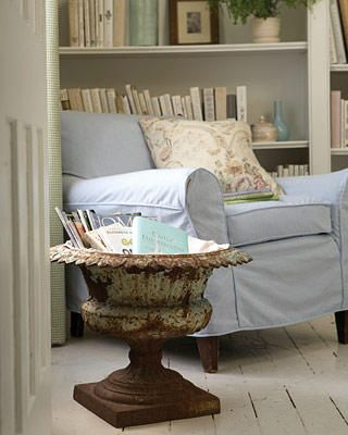How to's : rustic and comfy- love the urn full of books