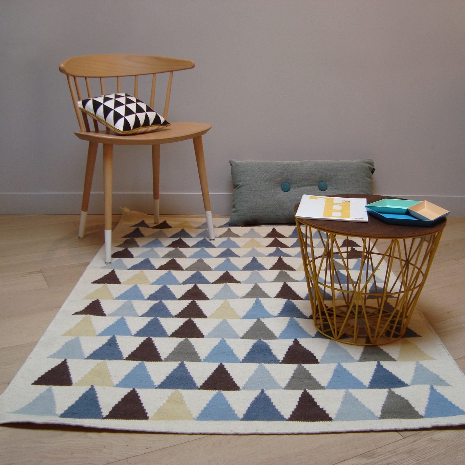 Tapis gar§on Kilim bleu triangles 110 x 160 cm Art for Kids
