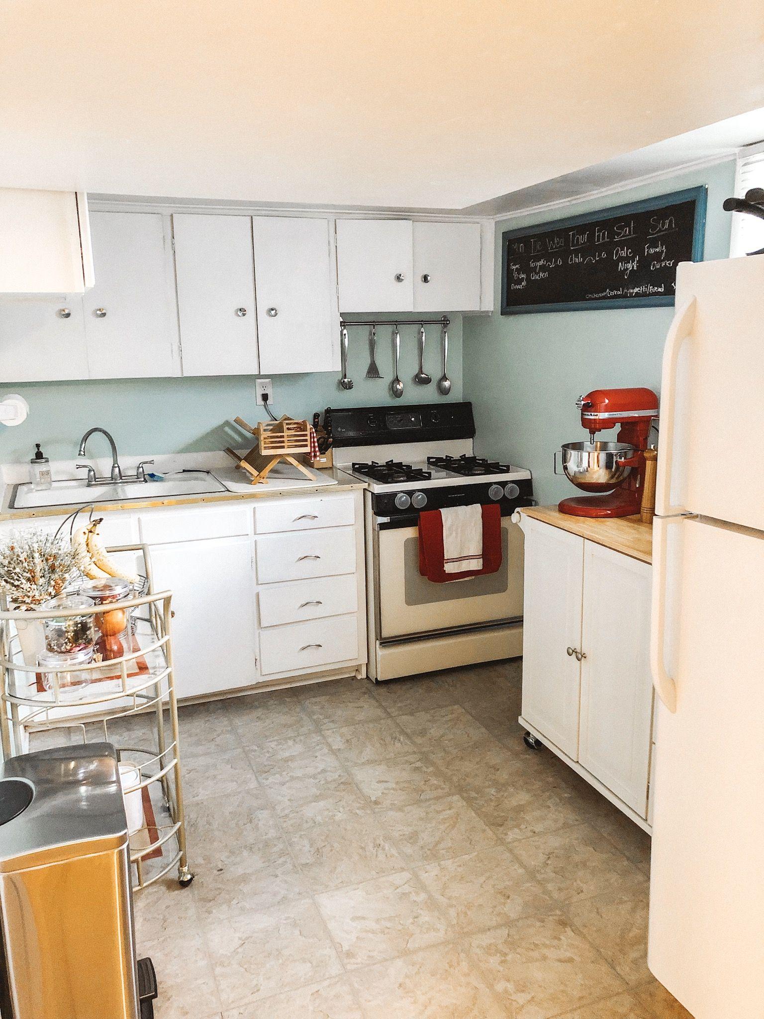Small Basement Apartment Kitchen Spanishfork Utah Rent Smallkitchen Apartmentkitchen Kitchen Spacesaver Apartment Kitchen Cabinets Home Decor Kitchen