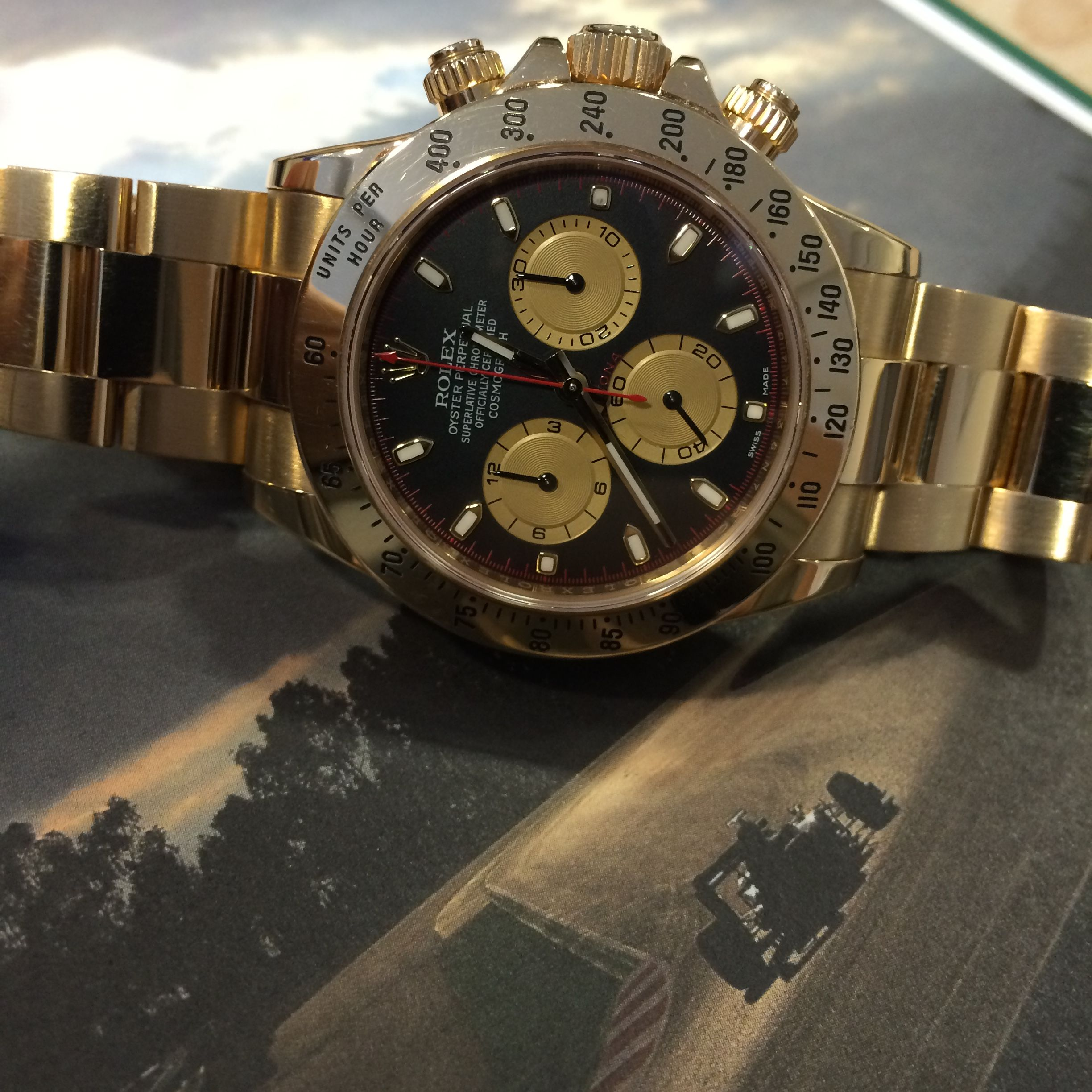 Looking for a Paul Newman Daytona? Oustanding preowned example  Click, be quick!