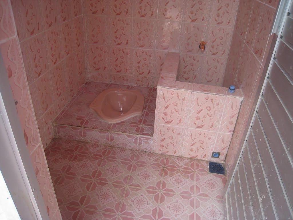 Desain Kamar Mandi Untuk Kontrakan Toilet And Bathroom Design Small Bathroom Makeover Bathroom Design Small 1x1 1 bathroom design