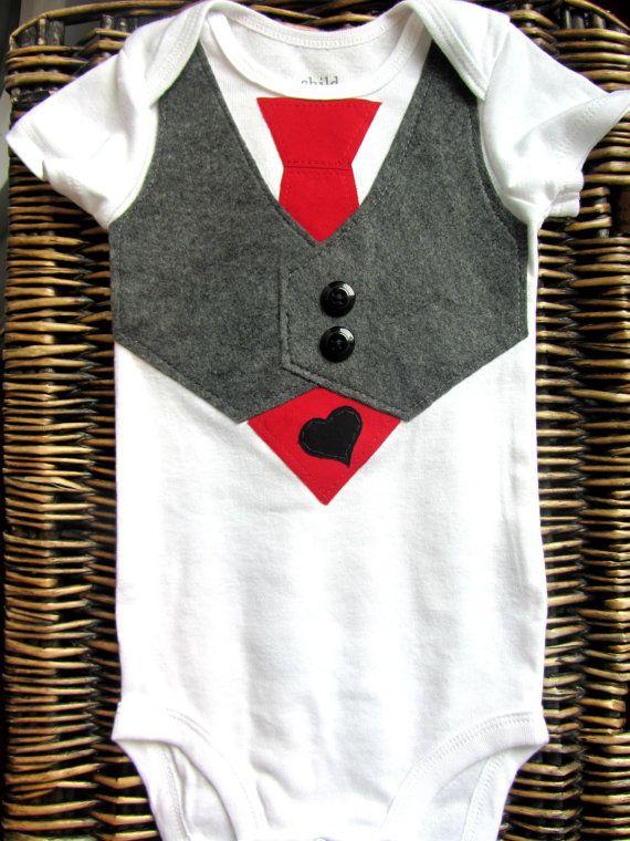 Bebé niño Ropa - bebé niño corbata y chaleco - traje de chaleco gris  corbata roja - Baby Boy - primer conjunto de día de San Valentín a5f95793c924