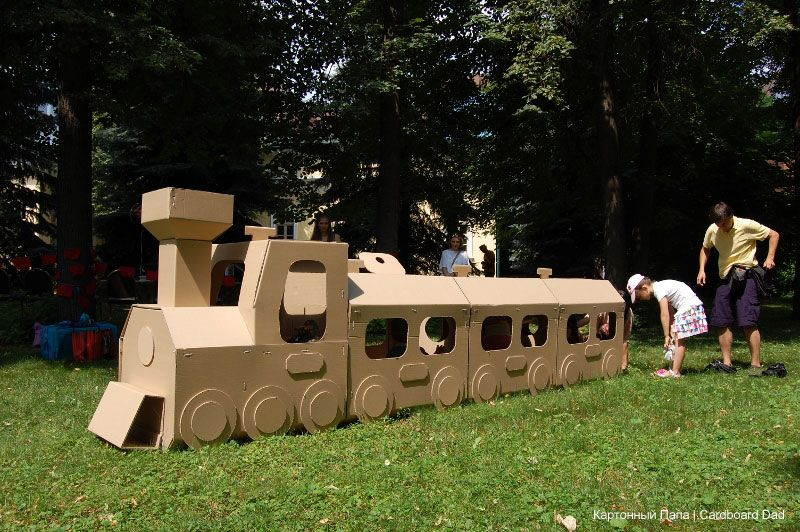 cardboard train my cardboard kids playgrounds pinterest cart n tren y cumplea os. Black Bedroom Furniture Sets. Home Design Ideas