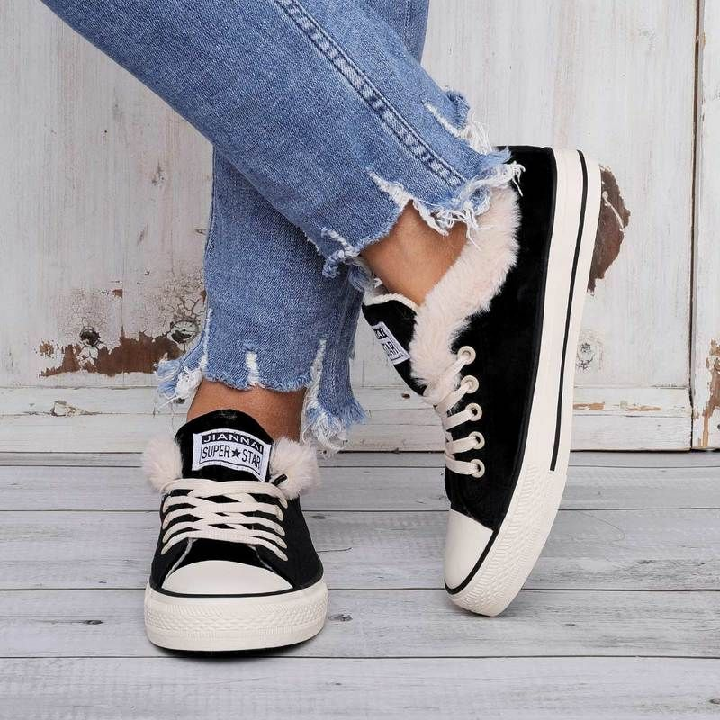 chaussure fausse converse