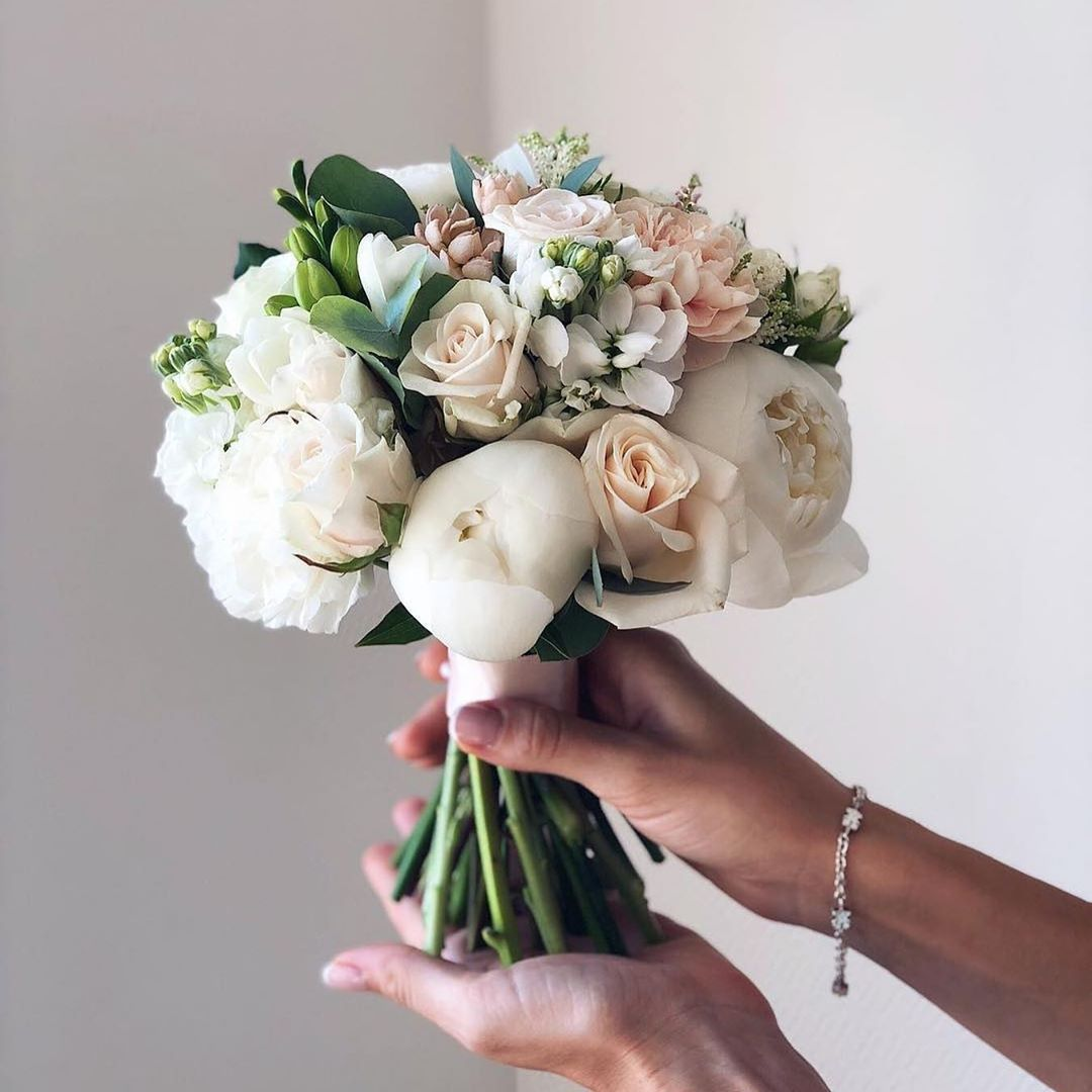 Luxury Wedding Page On Instagram Which Bouquet Would You Choose For Your Wedding 1 2 3 4 5 Flower Bouquet Wedding Bride Flowers Unique Wedding Bouquet
