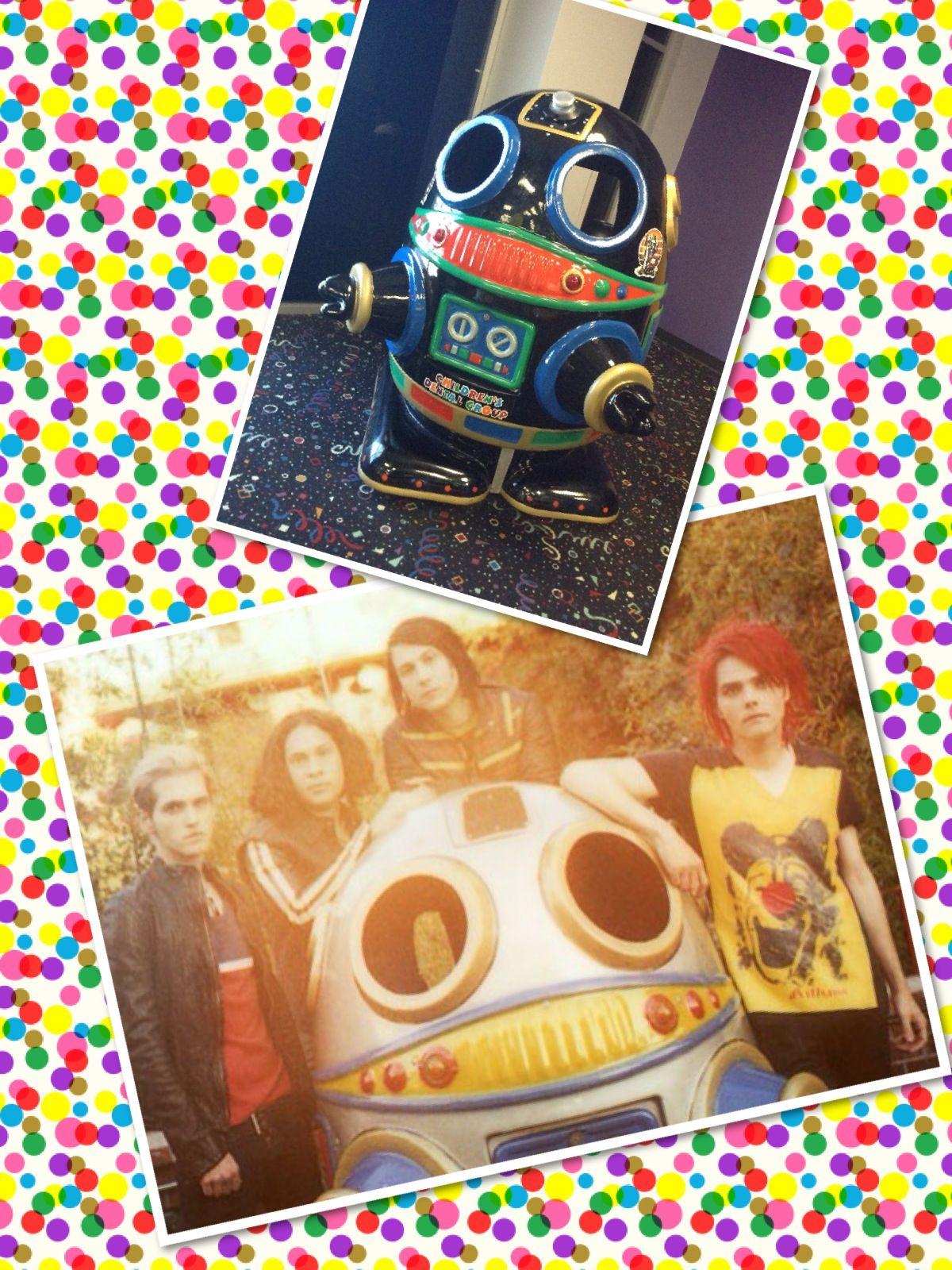 Same robot! OMGee!