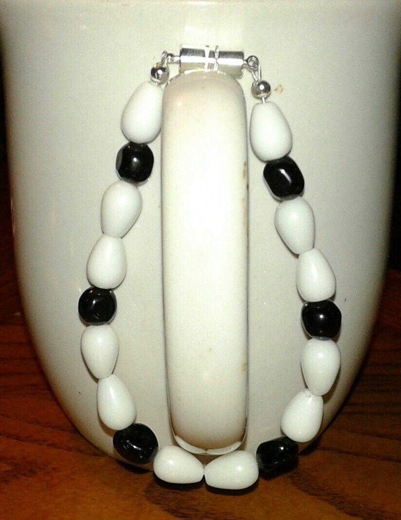 $10 White agate & black Czech beads bracelet