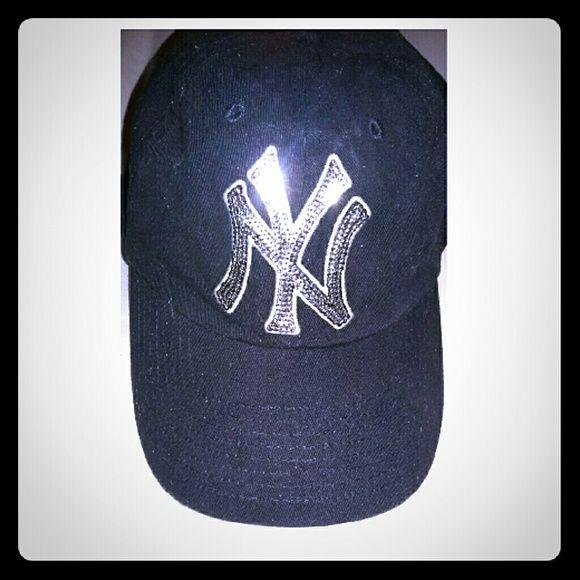 a2e9fea9 Pink by Victoria Secret Yankee cap New York Yankees sequin logo ...