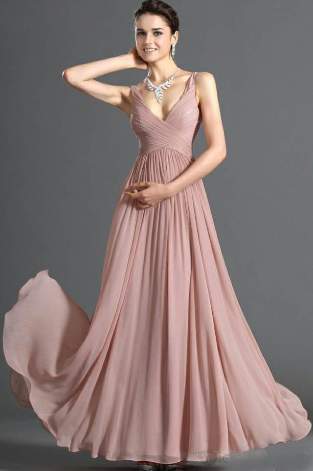 precioso vestido de noche elegante y joyas maravillosas | Vestidos ...