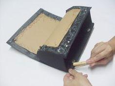 Hoy te mostraré cómo hacer un monedero. Esta bolsa ha estado conquistando el espacio …