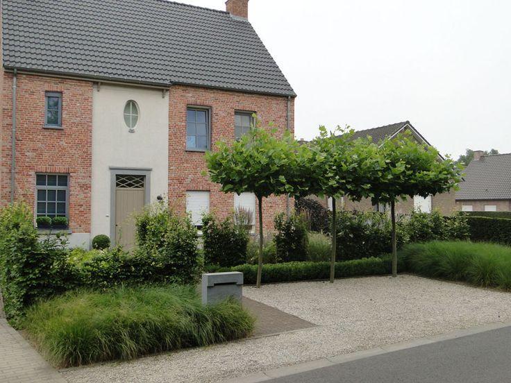 beautiful Belgian garden with soft pale gravel/hard ...