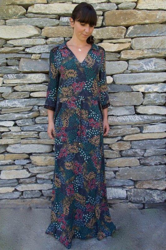 1b79c9441eb Robe Romance de La Petite Française par The LELI. Robe longue imprimée  nouée à la