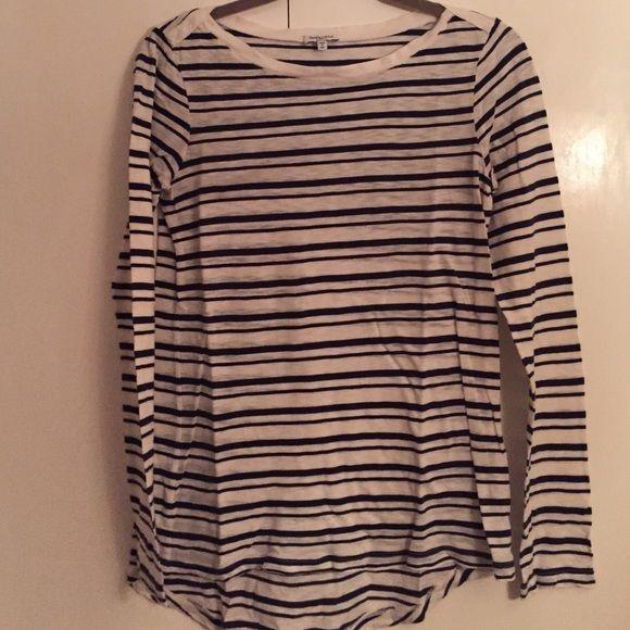 Splendid striped boat neck tee Worn twice, like new shirt Splendid Tops Tees - Long Sleeve