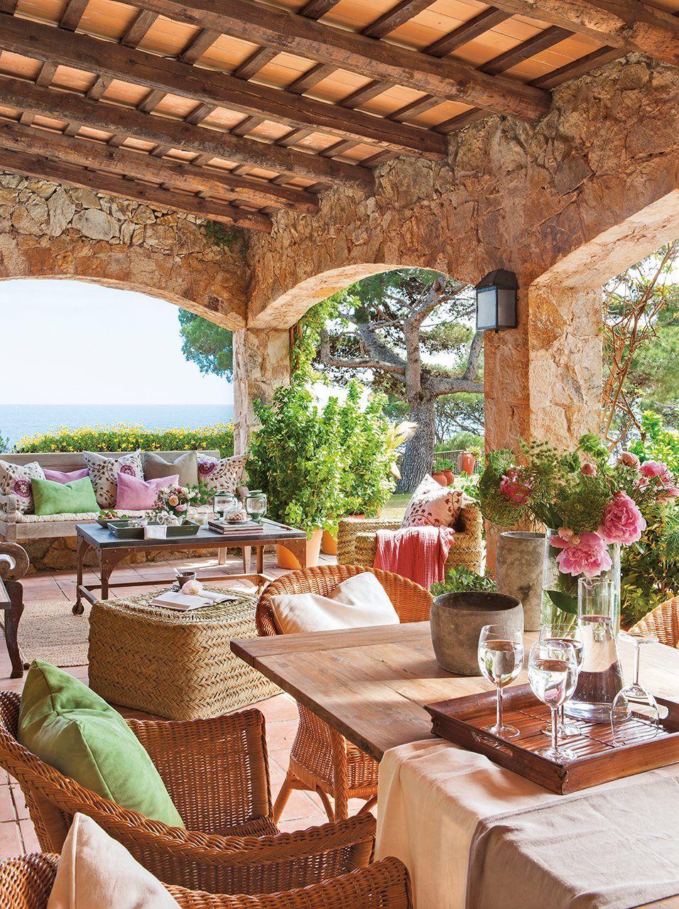 Un porche de campo y con vistas al mar el mueble 2 - Porches de casas ...